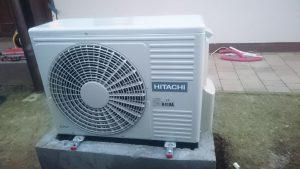 HITACHI YUTAKI 7,5 kW zunanja enota